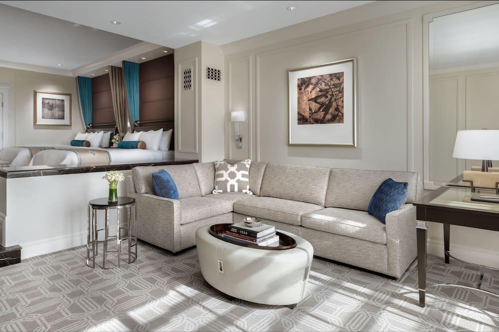 Prestige Luxury Two Queen Suite - พื้นที่นั่งเล่น