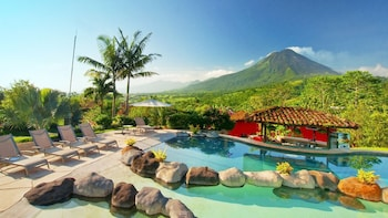Picture of Mountain Paradise Hotel in La Fortuna