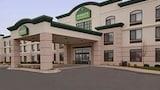 Reserve this hotel in Peoria, Illinois
