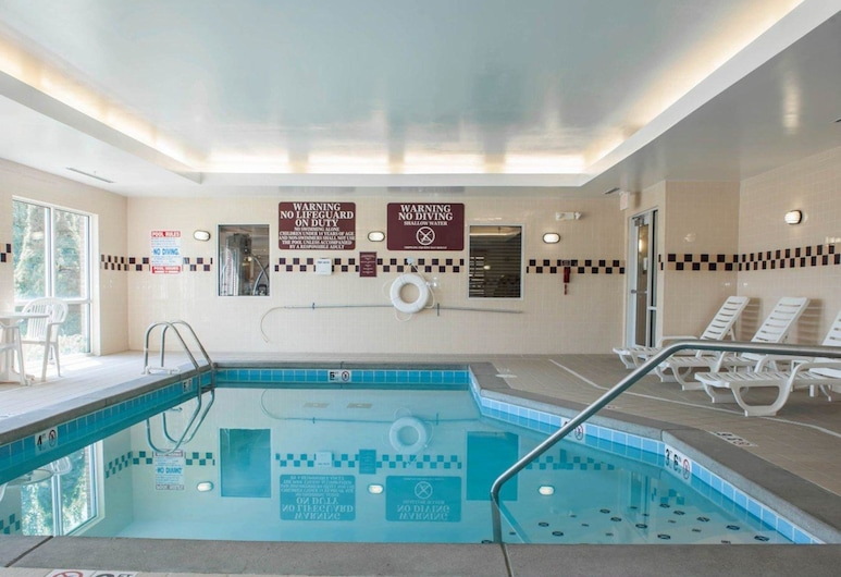 Comfort Suites Southport, Indianapolis, Pool