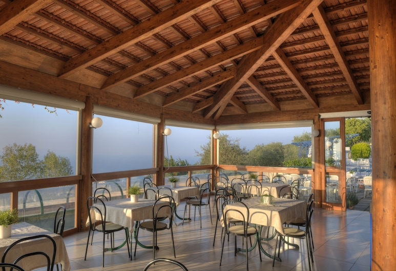 Residence Gocce Di Capri, Massa Lubrense, Einestamine vabas õhus