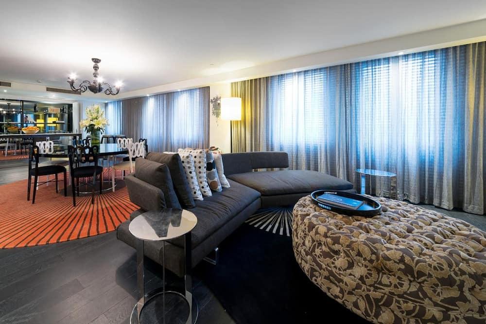 Artist Suite - Living Area