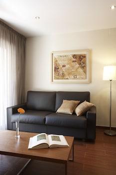 Image de Apartamentos Turisticos Madanis à Barcelone