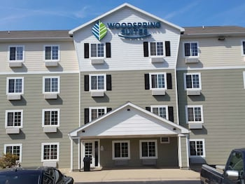 Picture of WoodSpring Suites Lakeland in Lakeland