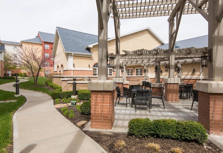 Residence Inn by Marriott Kansas City Airport, Kansas City, Taras/patio