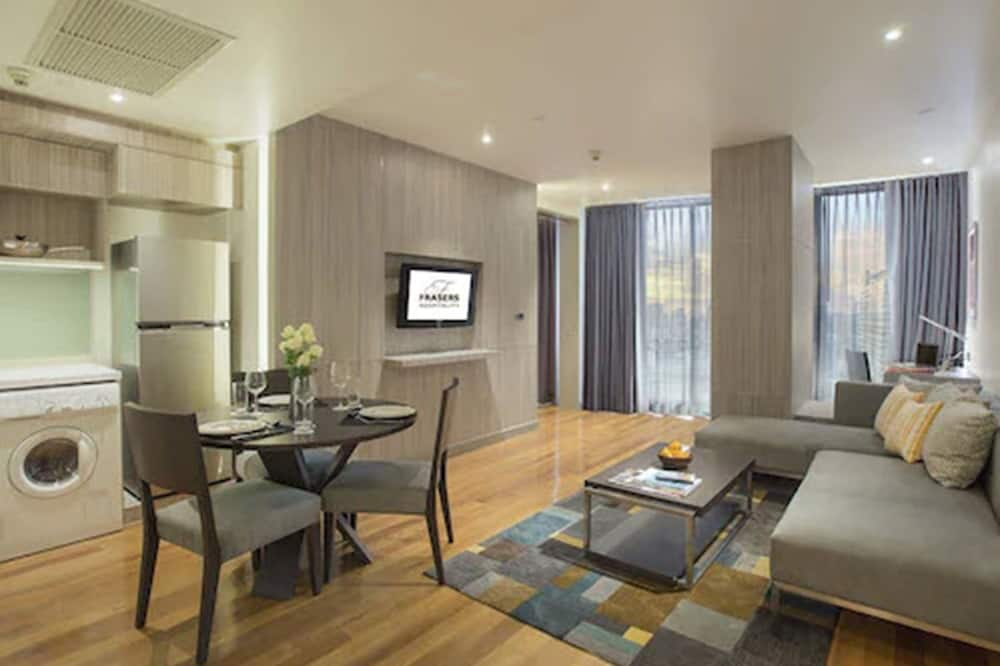 Premier Executive Suites with Balcony - Living Area