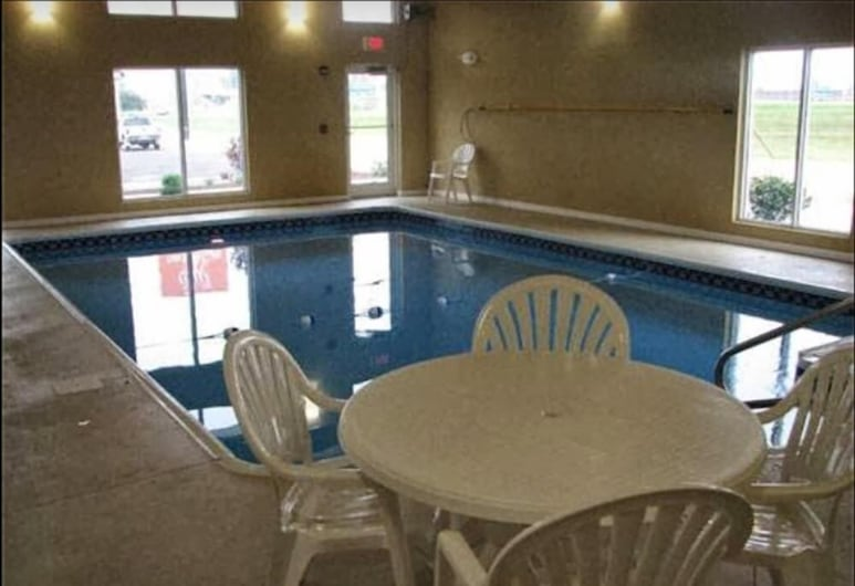 Randolph Inn and Suites, Winchester, New Hampshire, Piscine couverte