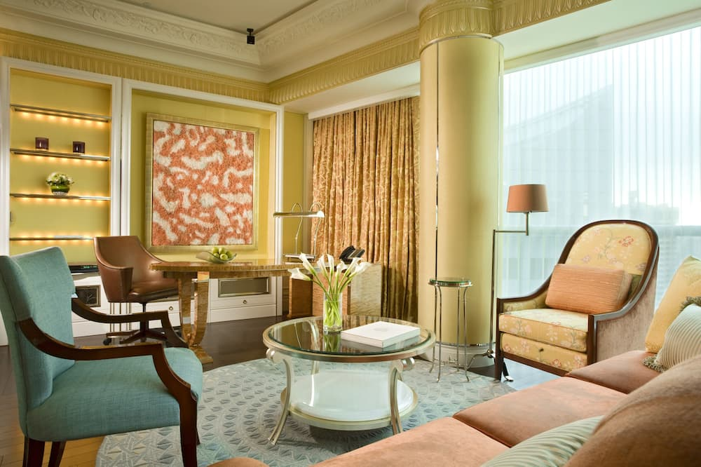 Suite (Specialty) - Living Room