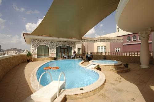 奧孔紮馬馬納佐爾艾恩飯店/