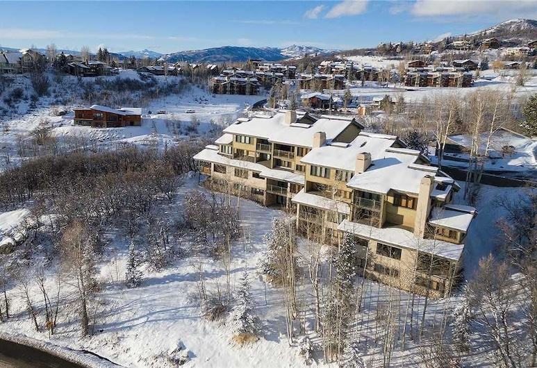 Ridgecrest Condominiums by Pioneer Ridge Management, Steamboat Springs
