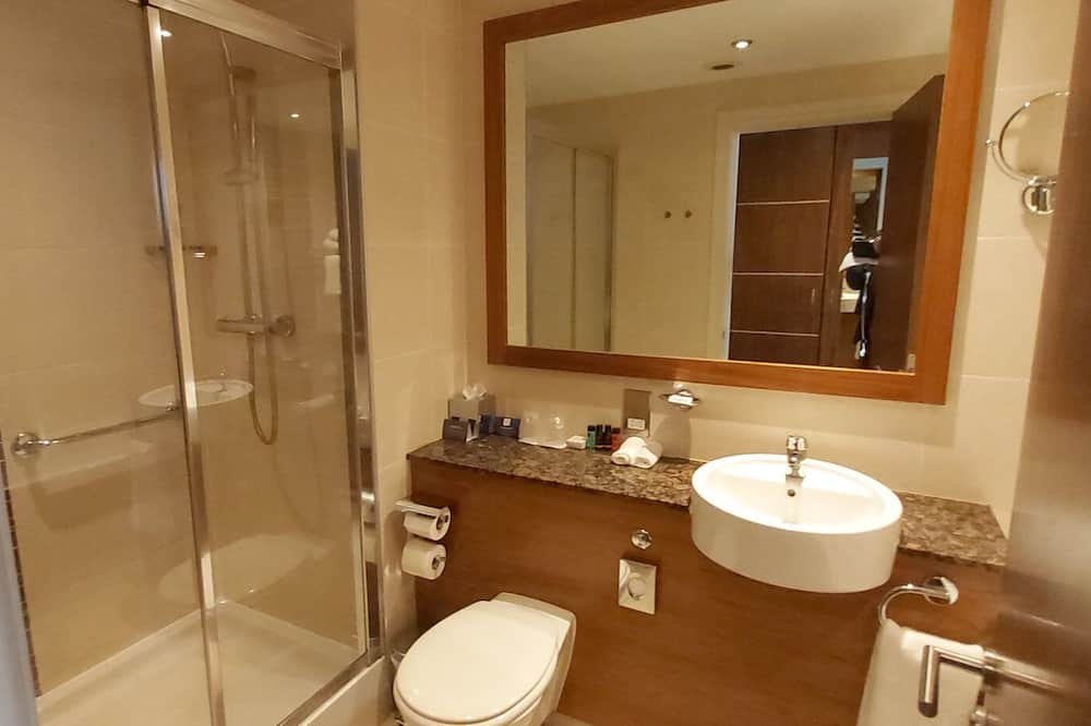 Room, 2 Double Beds, Non Smoking, Sea View (2 Bedded) - Bathroom