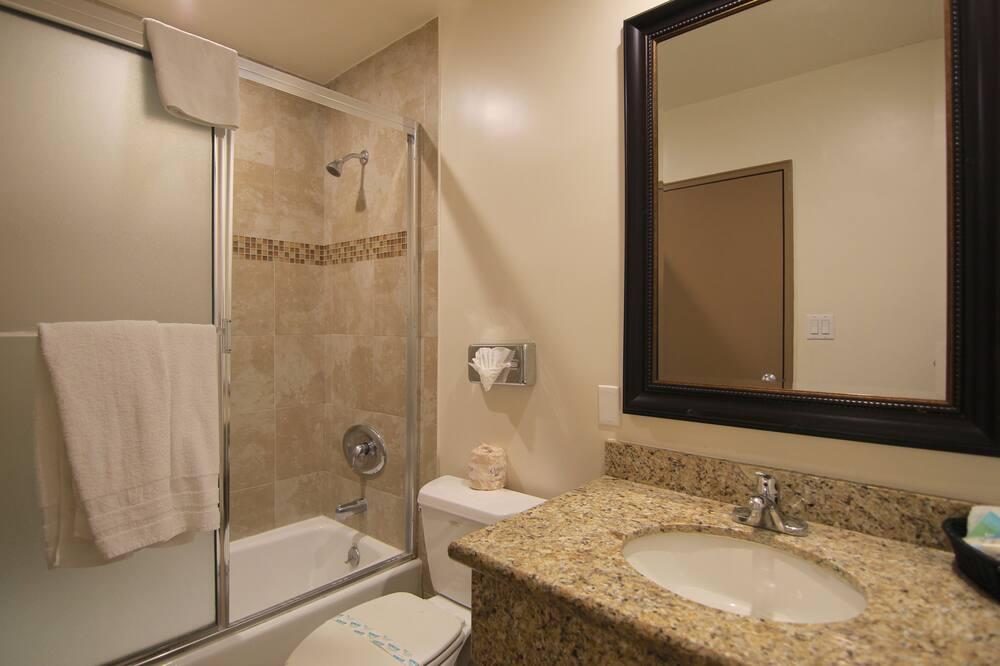 Стандартний номер, 2 двоспальних ліжка - Ванна кімната