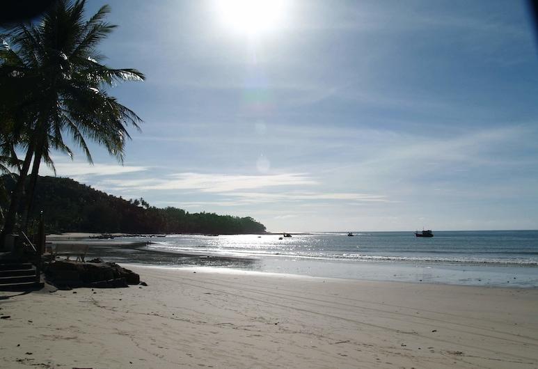 방타오 빌리지 리조트, Choeng Thale, 해변