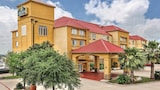 Book this Parking available Hotel in San Antonio