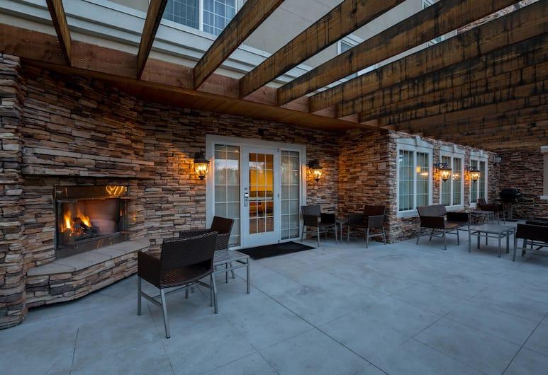 TownePlace Suites by Marriott Boise Downtown/University, Boise, BBQ/Picnic Area