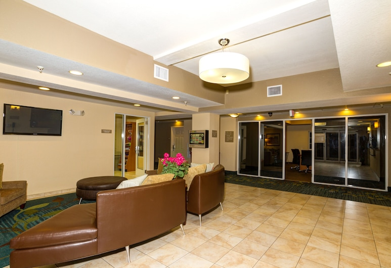Candlewood Suites Ft Myers I75, Fort Myers, Peauks