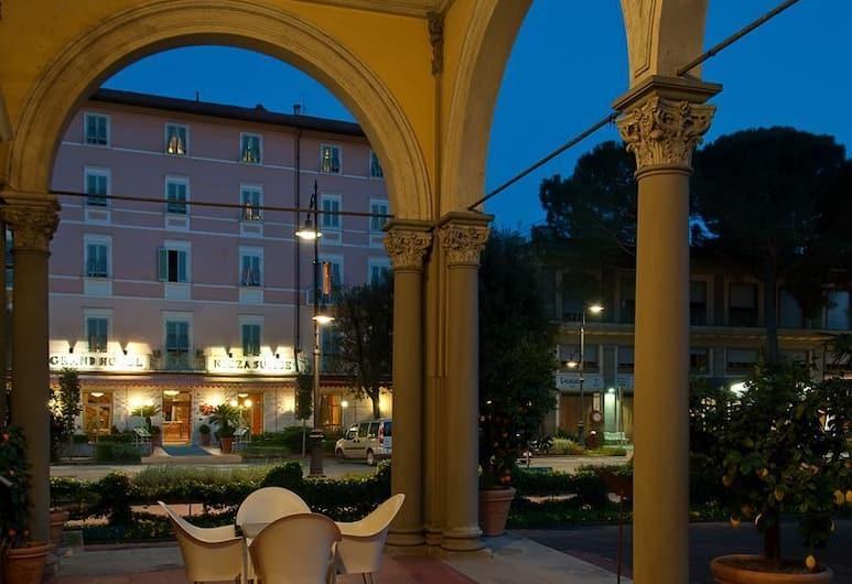 Grand Hotel Nizza Et Suisse, Монтекатіні-Терме, Тераса/внутрішній дворик