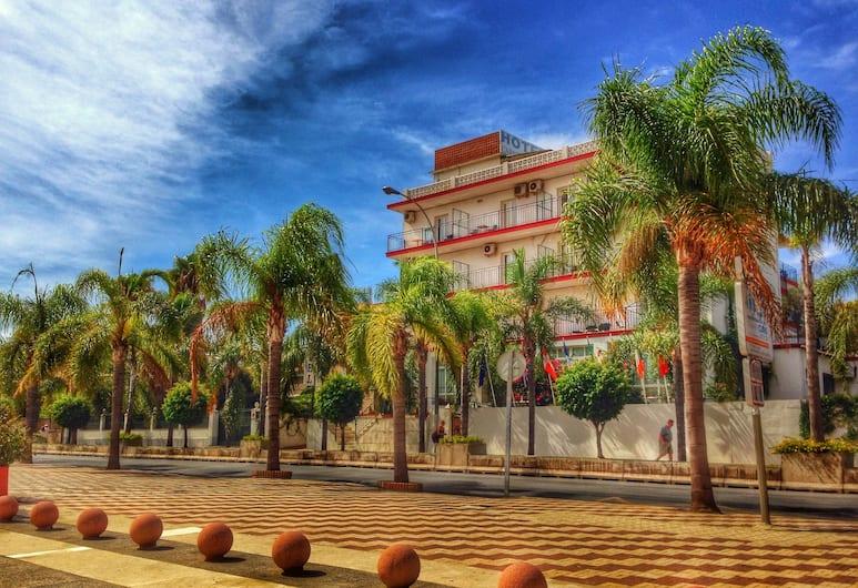 Hotel Carmen Teresa, Torremolinos, Voorkant hotel