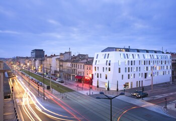 Enter your dates to get the Bordeaux hotel deal