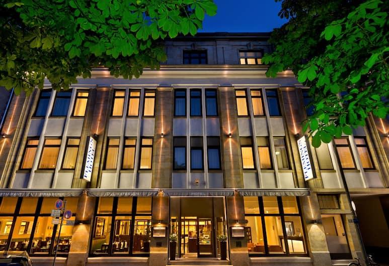 Fleming's Hotel Frankfurt-Hamburger Allee, Frankfurt, Hotelfassade am Abend/bei Nacht
