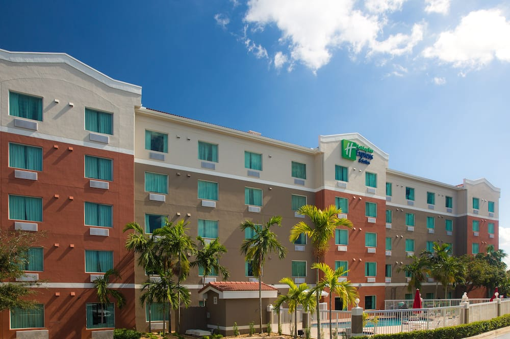 Holiday Inn Express Pembroke Pines-Sheridan Street, an IHG Hotel