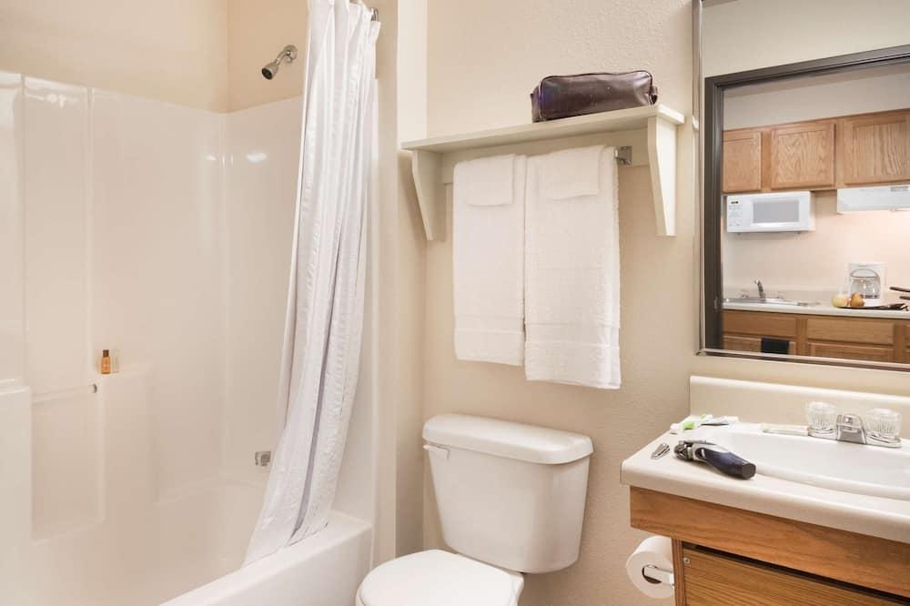 Suite, 1 Queen-Bett, Nichtraucher - Badezimmer