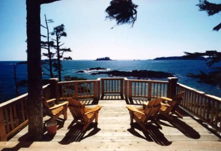 Middle Beach Lodge, Tofino, Property Grounds