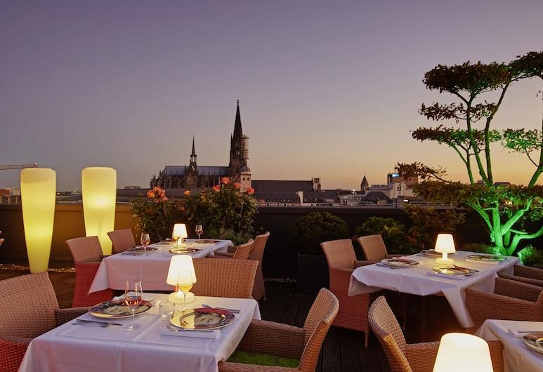 Savoy Hotel, Köln, Speisen im Freien