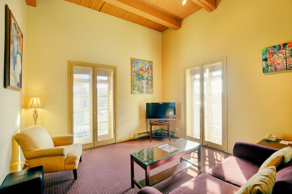 Suite, 1 Bedroom with Stairs - Dzīvojamā istaba