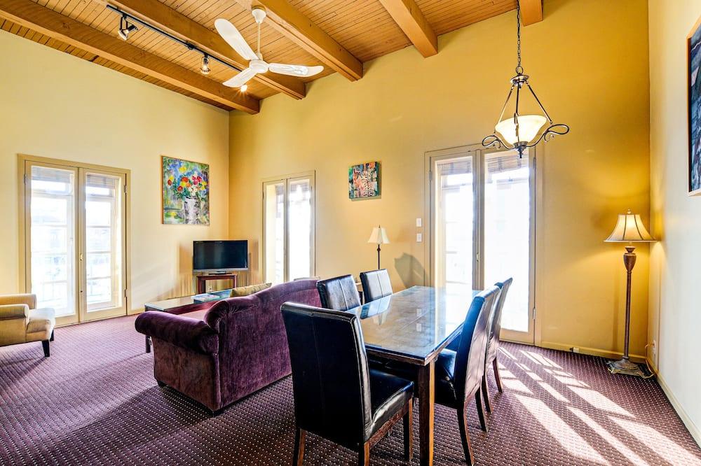 Suite, 1 Bedroom with Stairs - Área de Estar