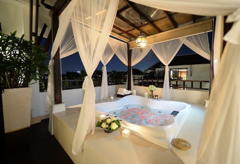 RarinJinda Wellness Spa Resort, Chiang Mai, RarinJinda One Bedroom Suite, Deep Soaking Bathtub