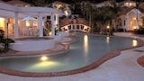 Picture of Royal Woods Resort in Ashmore