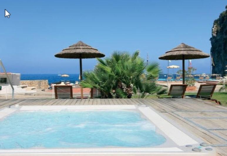 Conca Azzurra Resort, Massa Lubrense, Bañera de hidromasaje al aire libre