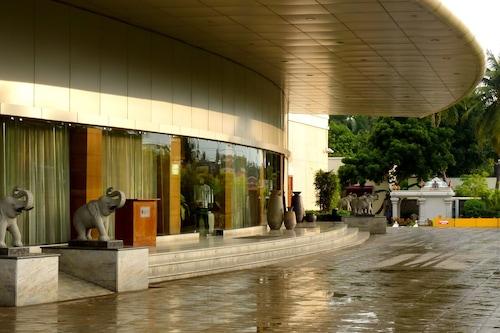 考因諾爾韓亞酒店/