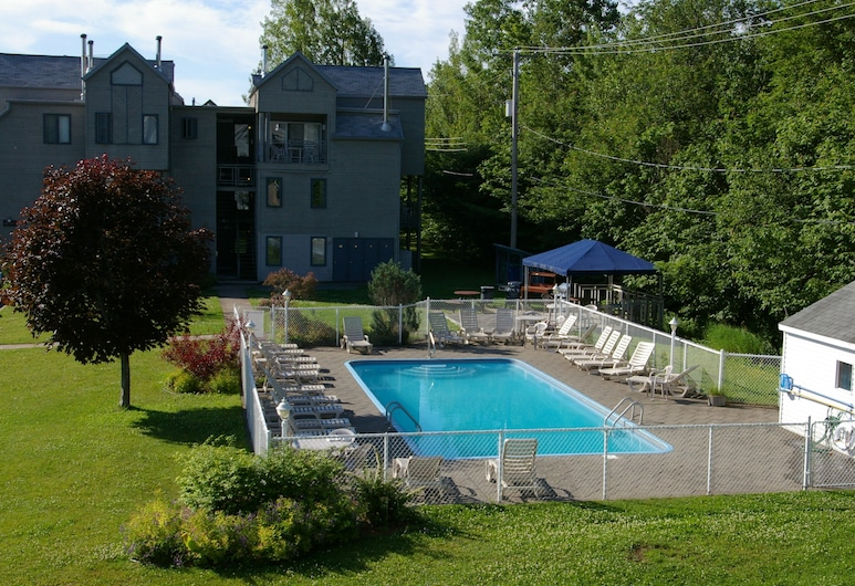 Holiday Villa Resorts - Beaupre Mont Sainte Anne, Beaupre, Piscina Exterior