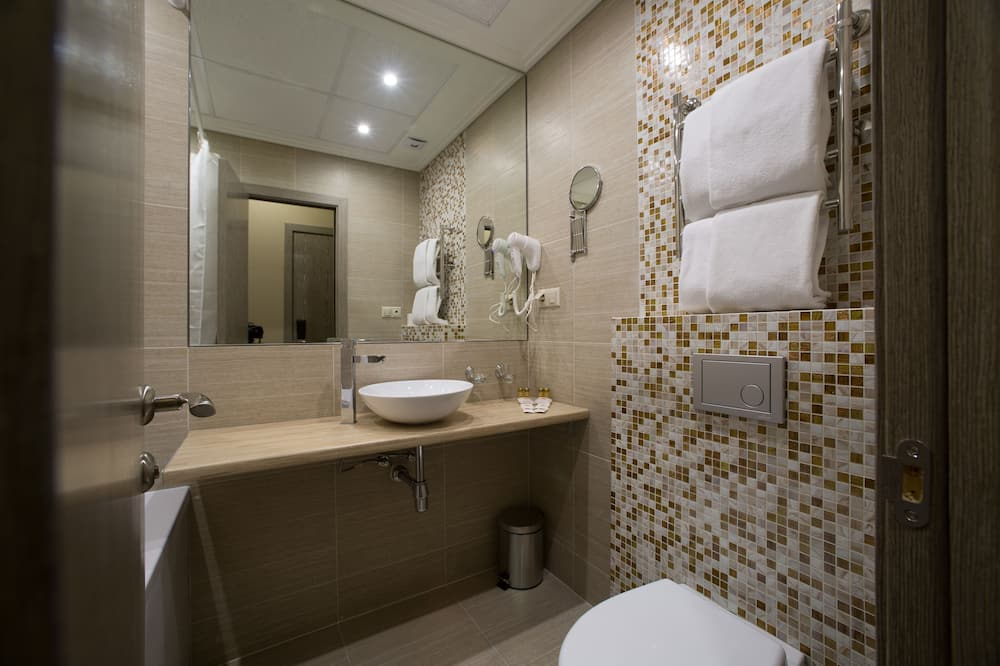 Comfort Twin Room, 2 Single Beds - Bathroom
