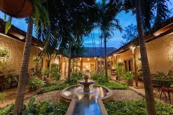 Picture of Hotel Los Robles in Managua