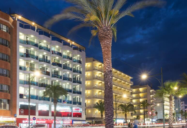 Apartaments Blau, Lloret de Mar, Front of property - evening