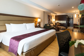 Picture of Legacy Suites Hotel Sukhumvit by Compass Hospitality in Bangkok