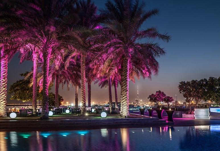 Crowne Plaza Festival City, Dubajus, Viešbučio baras