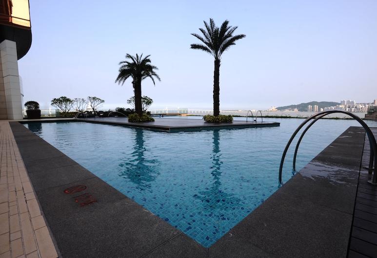 MGM MACAU, Ma Cao, Hồ bơi ngoài trời