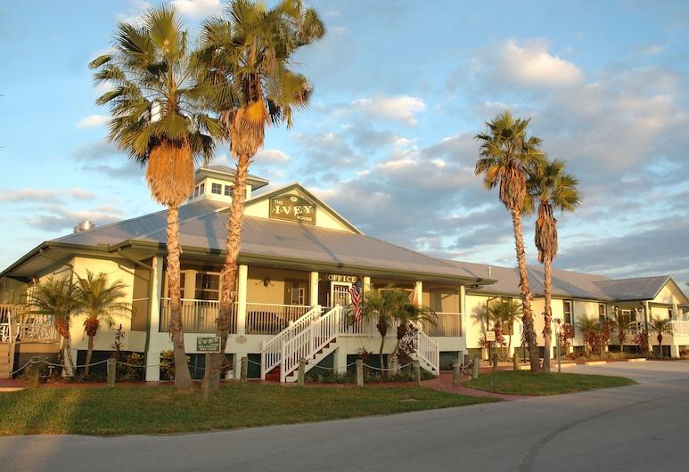Ivey House Everglades Adventures Hotel, Everglades City, Hotelfassade