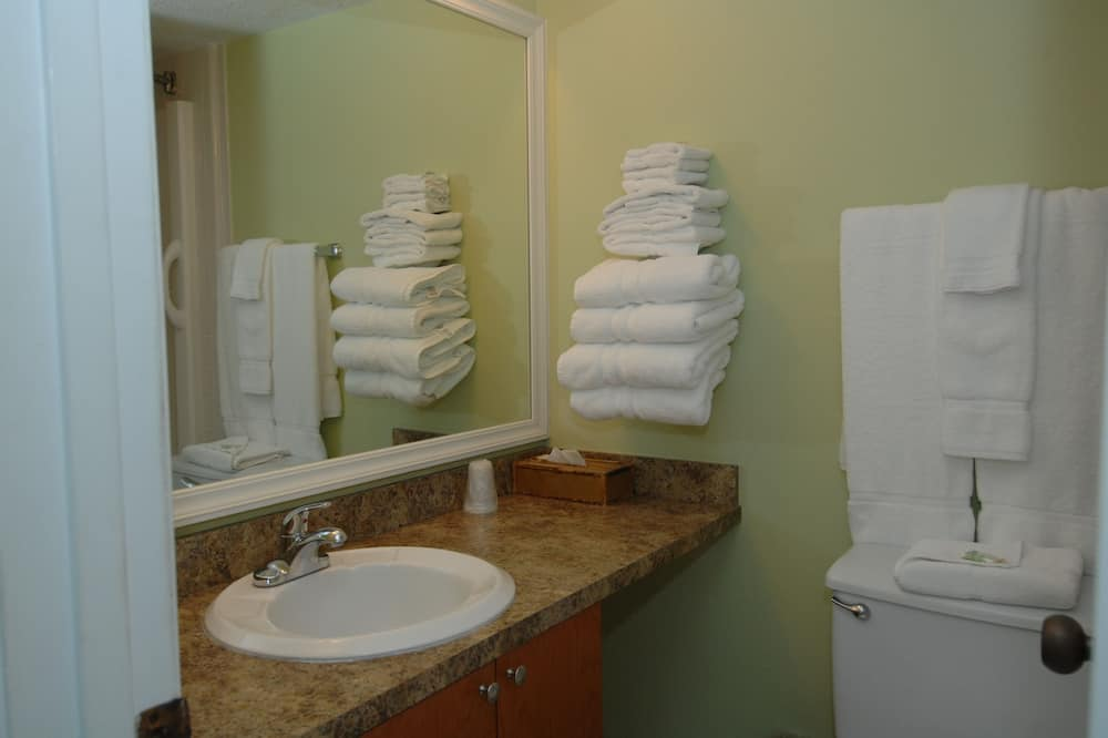Family Suite, 1 Bedroom, Kitchen, Sea Facing (Sunset View) - Bathroom