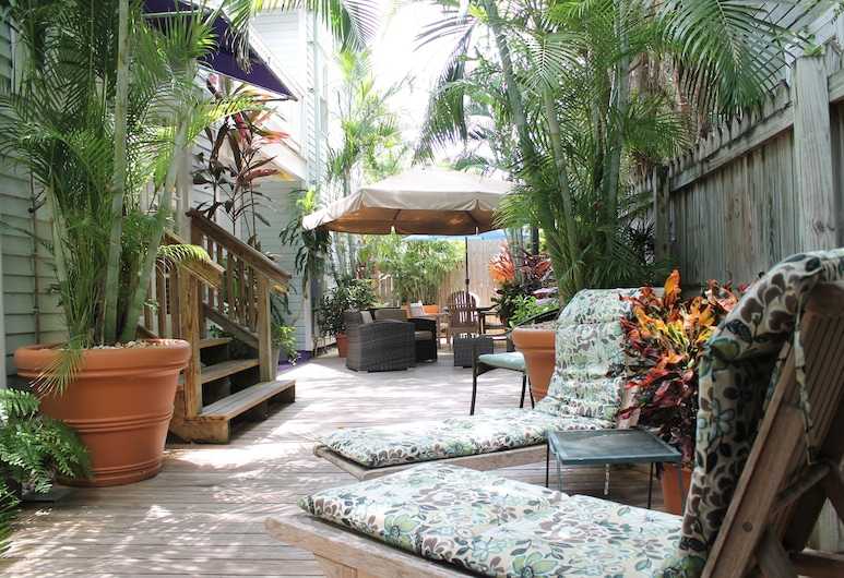 The Grand Guesthouse, Key West, Property Grounds