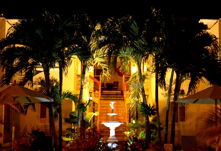 La Pointe Villas, Grand-Baie, Front of property - evening