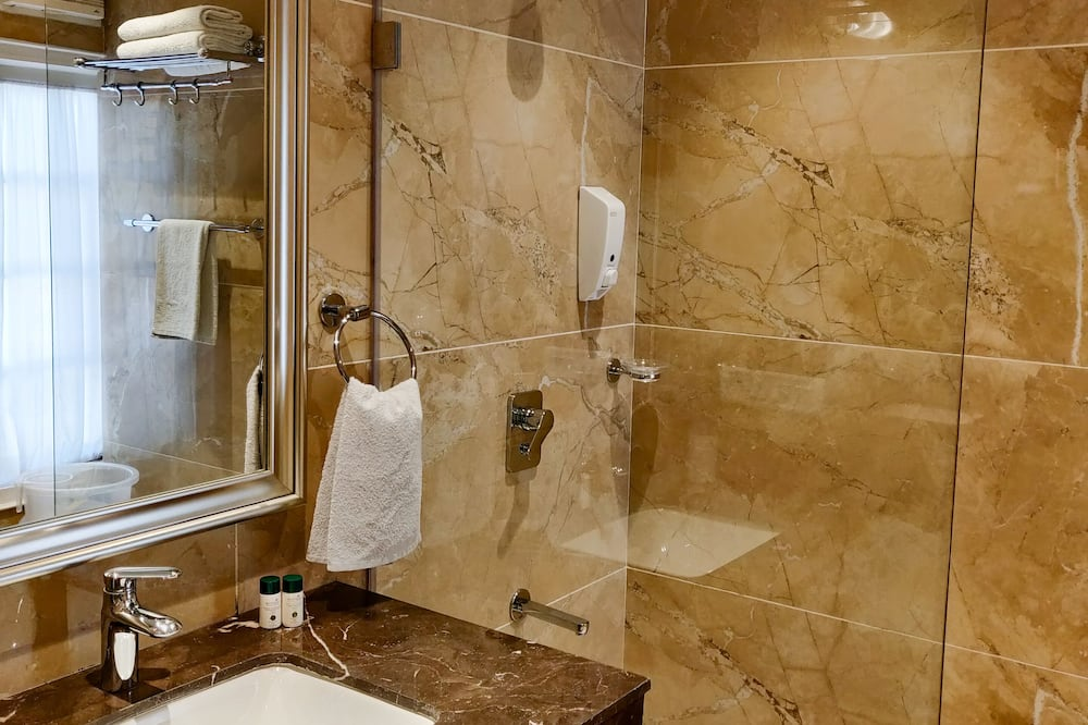 Royal Room, 1 Queen Bed - Bathroom