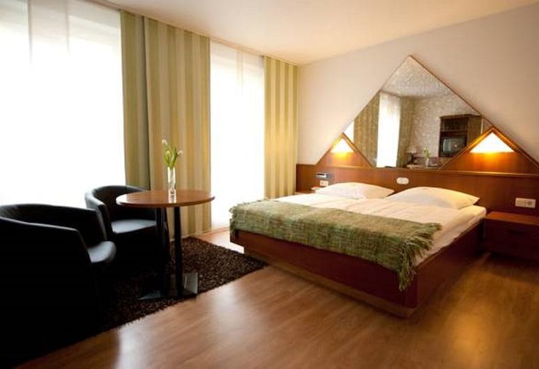 كلاسيك هوتل كارست, كارست, غرفة مزدوجة مريحة - سرير مزدوج, غرفة نزلاء