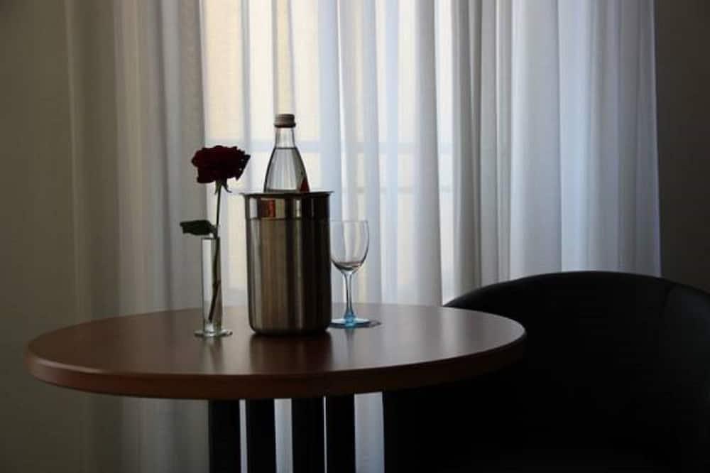Standard Single Room - In-Room Dining
