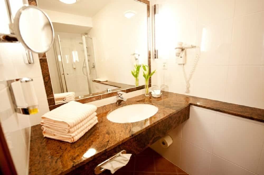 Standard Single Room - Bathroom Amenities
