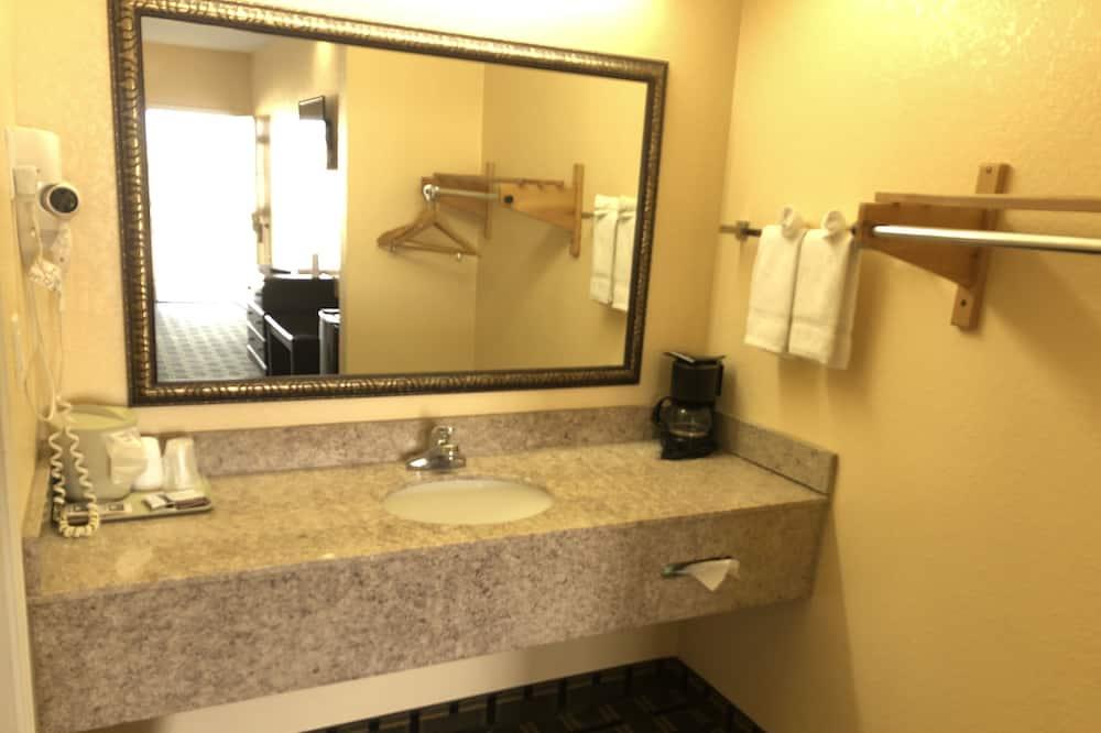 Deluxe Room, 2 Katil Ratu (Queen), Non Smoking - Bilik mandi